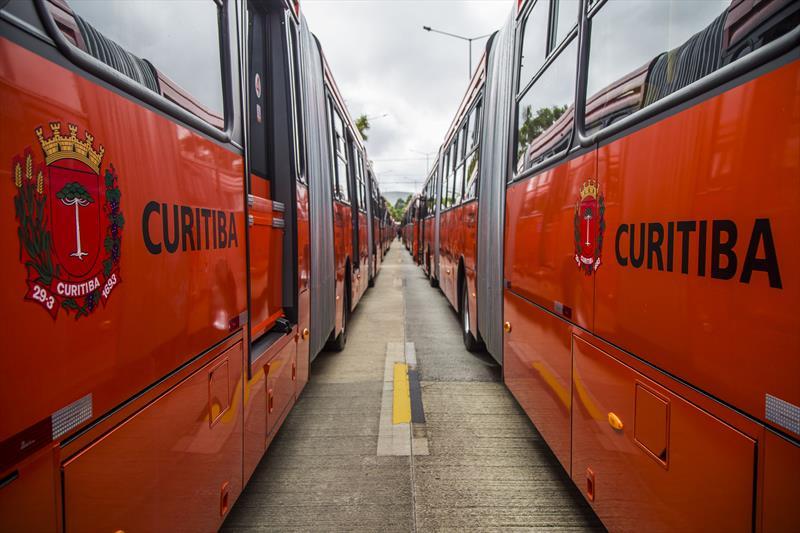 novinho ônibus curitiba