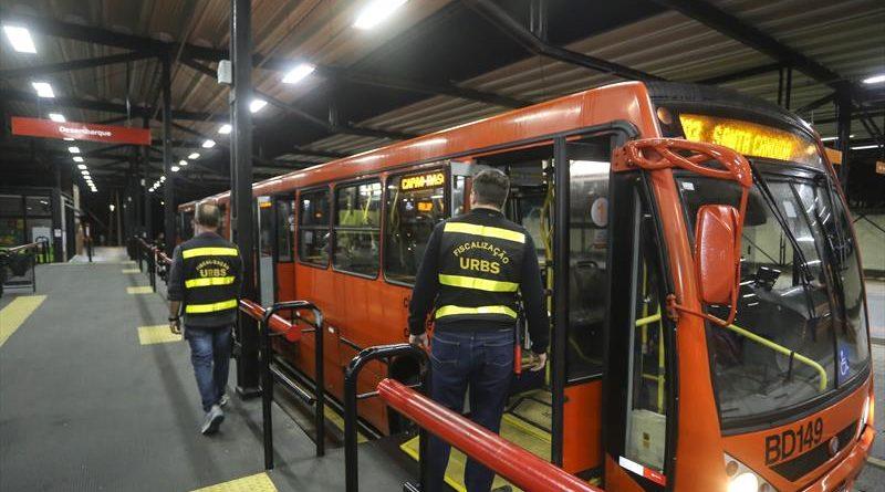 fiscalização ônibus madrugada