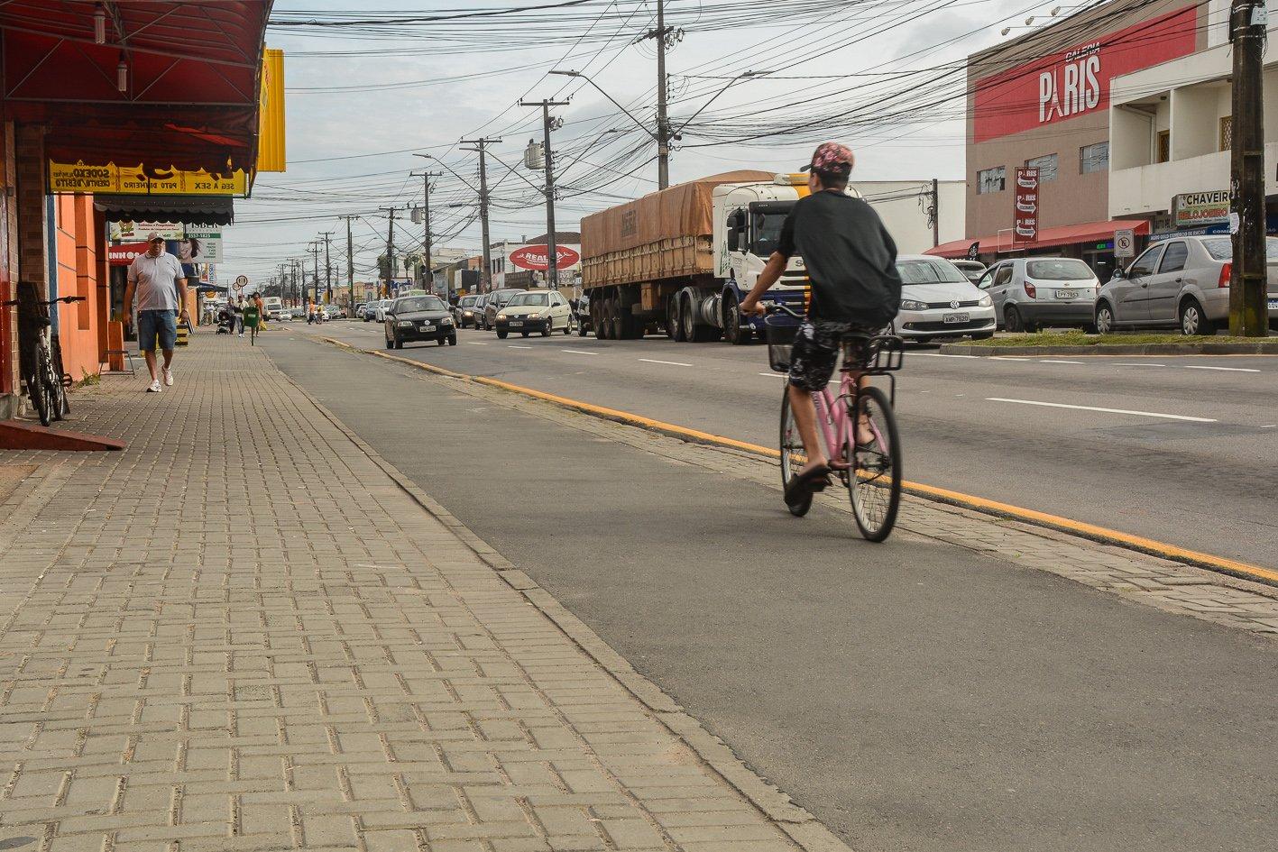 Avenida Iraí Calçada