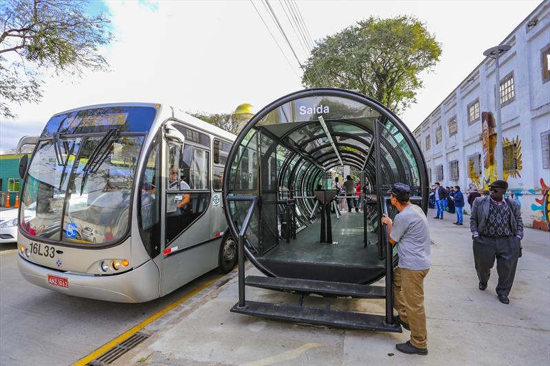 Estação-tubo na Avenida Presidente Getúlio Vargas
