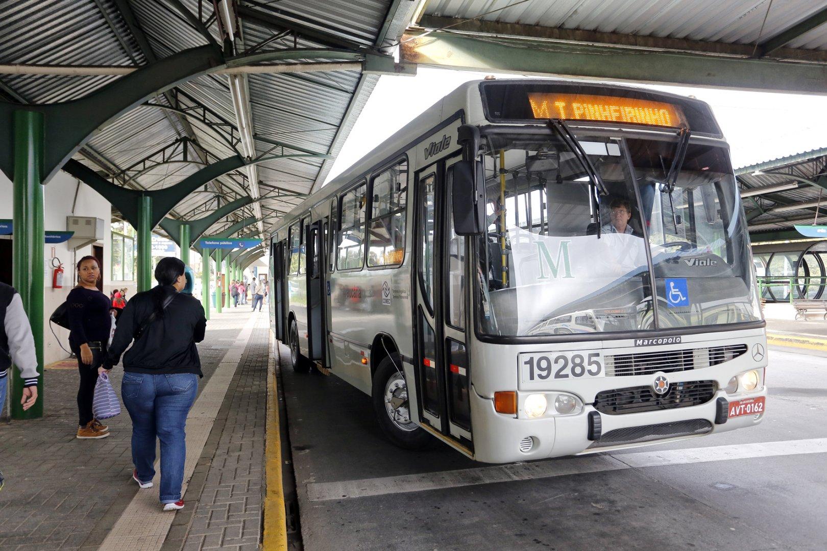 Ônibus em Araucária