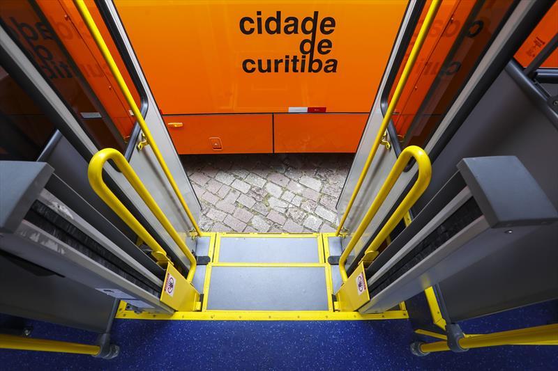 Cidade ônibus Degrau Transporte coletivo de Curitiba
