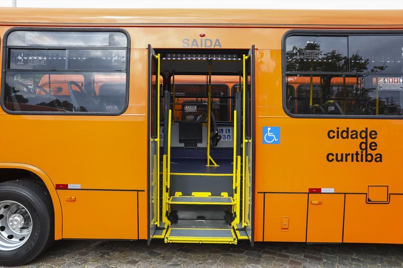 Cidade ônibus Porta
