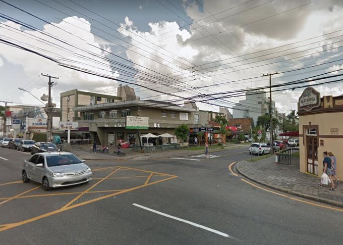 Rua Atílio Bório com a Rua Itupava