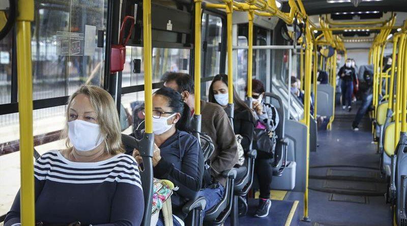 Passageiros sentados Curitiba