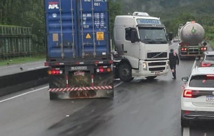 Caminhão L Morretes