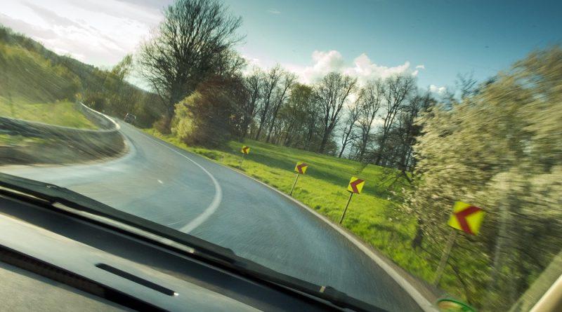 Carro na estrada