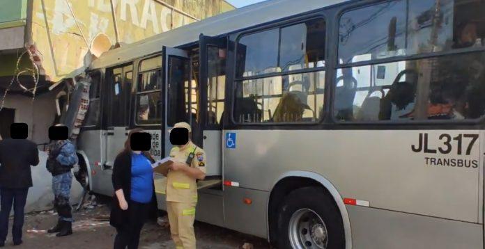 Ônibus Caiuá Cachoeira