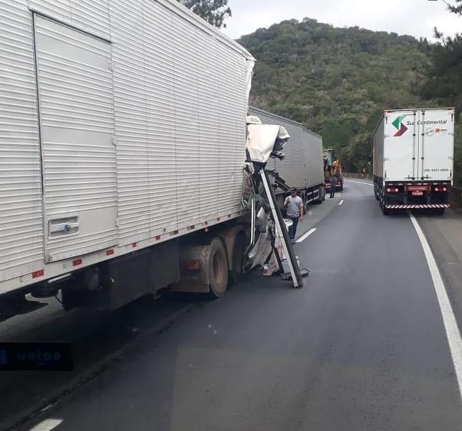 Acidente Caminhão BR-376